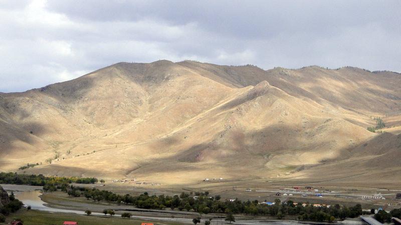 Transsibirische Eisenbahn: Mongolei - Berge von Ulaan Bataar