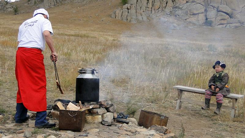 Transsibirische Eisenbahn: Mongolei - Ulaan Bataar - Kochen im Nationalpark