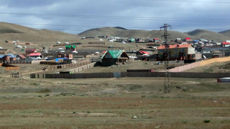 Transsibirische Eisenbahn: Mongolei - Ulaan Bataar Stadtrand