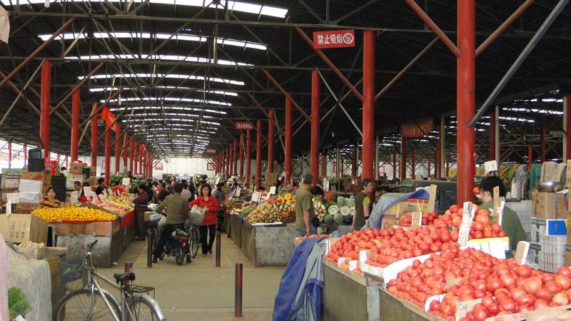 Transsibirische Eisenbahn: Peking - Markthalle in den Hutongs