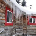 Granny AuPair - Eiszapfen an der Dachrinne