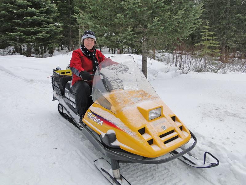 GrannyAuPair Heid & Snowmobil
