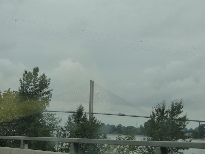 Eine besonders hohe und lange Brücke