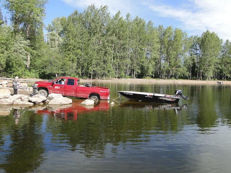 Slipanlage / es lagen nur zwei weitere Boote am Steg