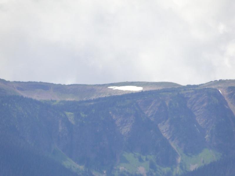 Es liegt immer noch Schnee in den Rocky Mountains, Anfang August