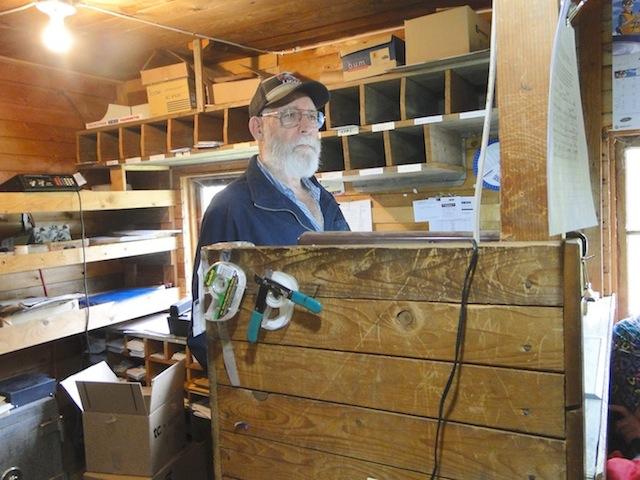 Wayne McCoy, der Postbeamte - hat diesen Job von seiner Mutter übernommen