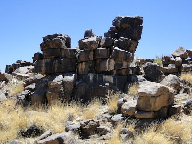 Wild übereinander getürmte Gesteinsbrocken