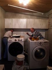 Die Waschküche ist nun weiß lackiert